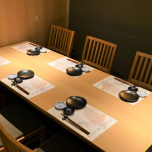 お席・店内_Room6ppl_hanatare-headoffice